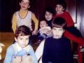 fedor-beba-okruzen-bracom-i-sestrama